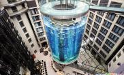 世界奇特建筑观光电梯建在鱼缸里(图)